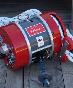 Personal Winch with dyneema line